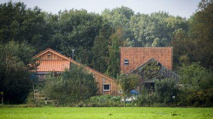 Politie hoopt op antwoorden van aangehouden vader van Nederlands 'spookgezin'