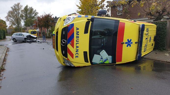 De donderdagmiddag begon niet goed voor deze ambulancebestuurder.