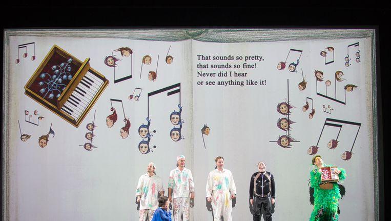 Het podium van het Concertgebouw wordt tijdens Die Zauberflöte een soort operabühne. Beeld null