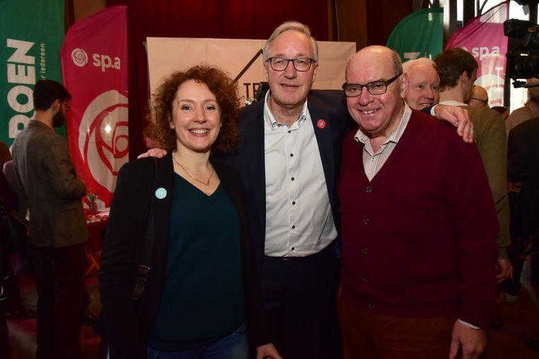 Sp.a-Groen-lijsttrekker Rudy Coddens met burgemeester Termont en schepen Elke Decruyenaere (Groen).