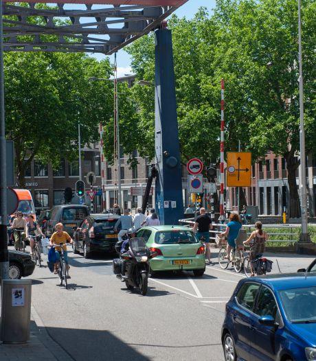 Verkeerschaos aangepakt: Van Berckelstraat wordt fietsstraat, bus te gast en voor auto geen plaats