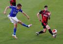 Jamie Vardy haalt uit tegen Bournemouth.