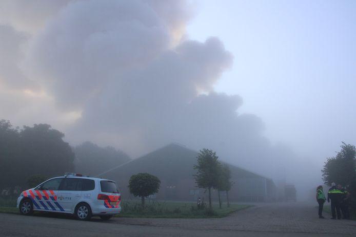 Twee schuren staan volledig in brand in Swifterbant