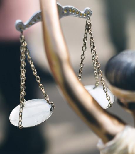 Cel- en taakstraf geëist tegen Veerenaar (20), die zus hielp en jongen aftuigde