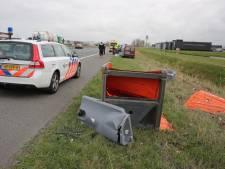 Automobiliste raakt zwaargewond bij botsing met dixi op snelweg