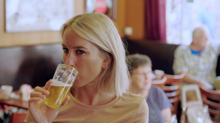 Kat Kerkhofs test in 'Tipsy' alles uit wat met alcohol te maken heeft.