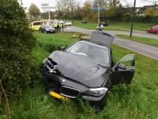 Flinke botsing in Maarssenbroek: een gewonde en twee zwaar beschadigde auto's
