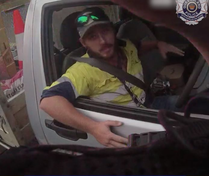 De Australische Jimmy vond een zeer giftige slang in zijn auto.