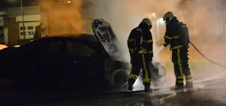 Politie zet vol in op onderzoek autobranden in de wijk Heuvel in Breda