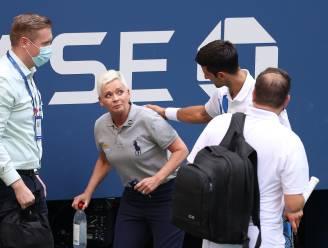 """""""Ook zij heeft steun nodig"""": Djokovic tikt fans op de vingers die getroffen lijnrechter viseren"""