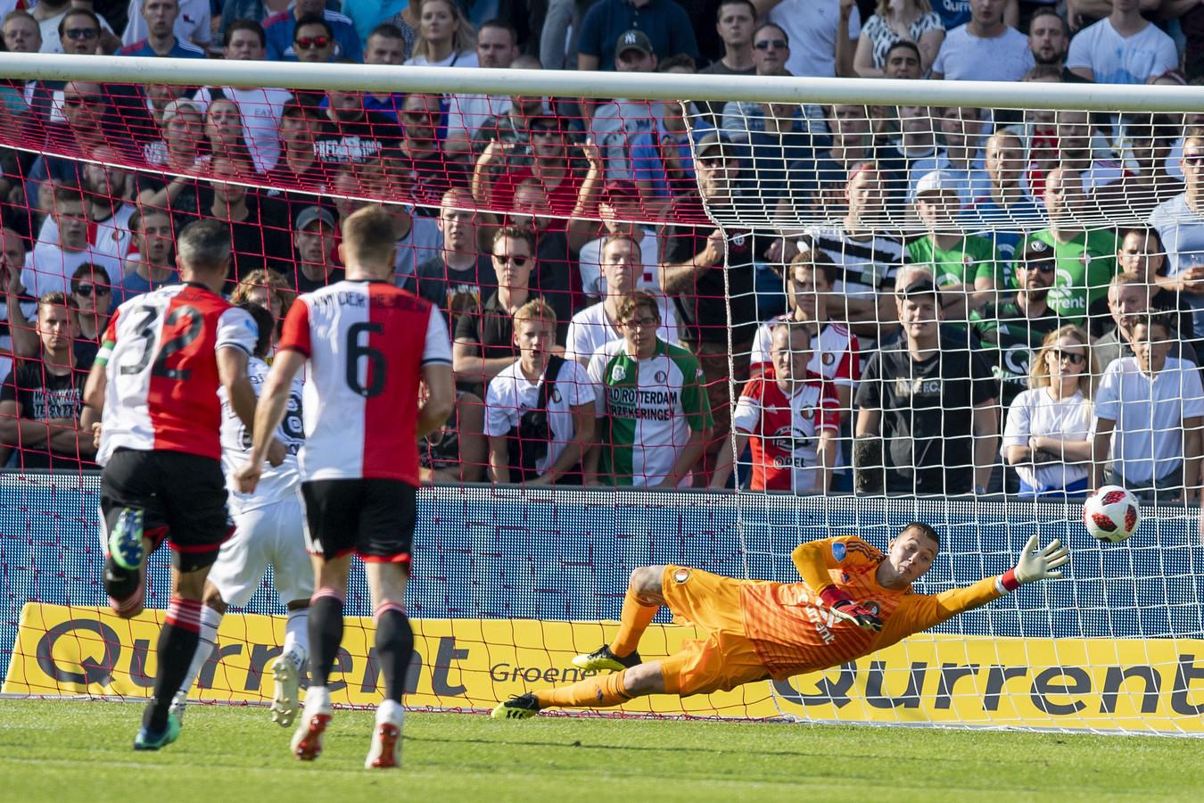 Gianluca Nijholt maakt de gelijkmaker  (1-1)
