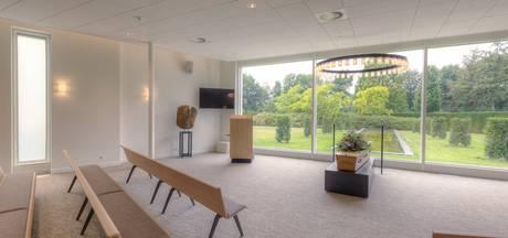 Kijkdag in vernieuwd crematorium Almelo: 'Dit past bij deze tijd'