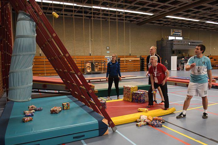 Deelnemers konden uitproberen welke tak van sport of spel het best bevalt in Cuijk tijdens de Sport en Spel Carrousel.