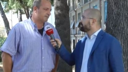 """Man geeft hartverscheurend interview na ramp Genua: """"Mijn broer, zijn vrouw en hun dochter zijn nog vermist. Ze zeggen ons niets hier"""""""