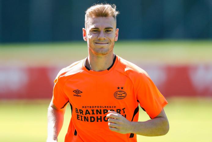 Toni Lato tijdens zijn eerste training bij PSV.