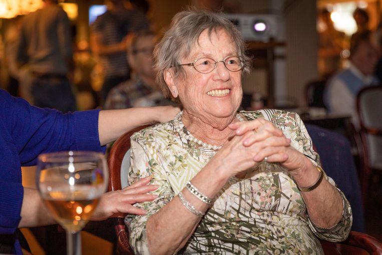 Gilberte Nuitten (91), de bomma van Victor Campenaerts, bekeek de recordpoging van haar kleinzoon in Den Bleek in Borgerhout.