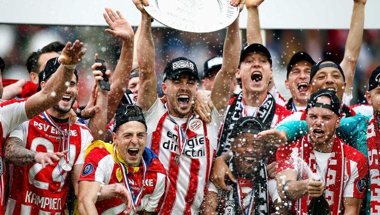 PSV viert het behalen van de landstitel. Beeld anp