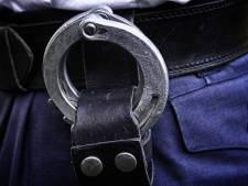 Scooterrijders mishandelen en bedreigen duo in Breskens