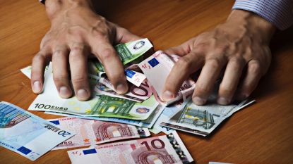Poetsvrouw (27) steelt 200 euro van 89-jarige dementerende