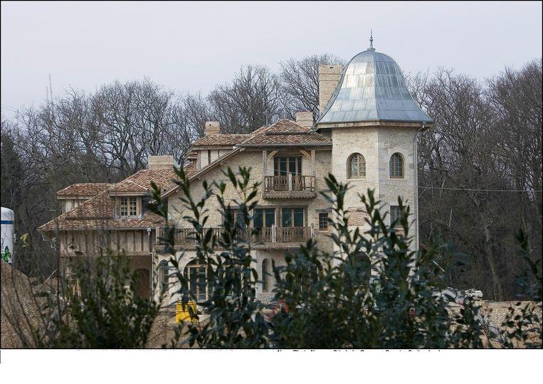 Een beeld van de Zwitserse villa van Michael Schumacher. De ex-wereldkampioen F1 revalideert er na een zwaar ski-ongeval.