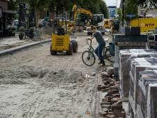 Voor winkeldeur parkeren kan vaak niet meer in nieuwe Enterse Dorpsstraat: 'Het is er doorgedrukt'