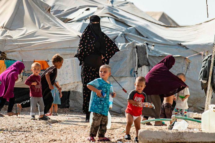 Vrouwen en kinderen in een kamp voor familieleden van buitenlandse IS-strijders in het noorden van Syrië.