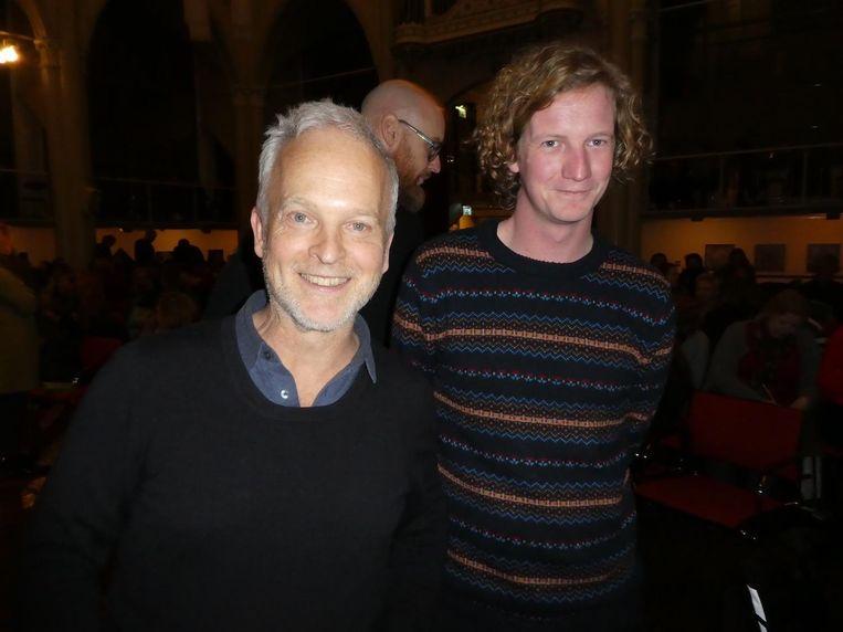 Scenarioschrijver Robert Alberdingk Thijm en Marc Nollkaemper, die voor haperend geluid en beeld zorgt. Een nieuw komisch duo. Beeld Hans van der Beek
