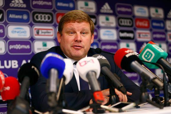 Hein Vanhaezebrouck bij zijn voorstelling als nieuwe coach van Anderlecht.