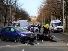Motorrijder ernstig gewond na aanrijding in West