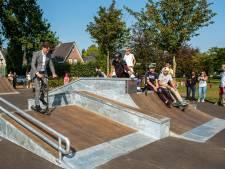 Eerste taak burgemeester Halderberge: skatebaan steppend inwijden