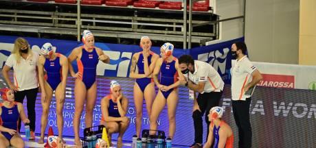 Nederlandse waterpolosters spelen gelijk tegen Italië in strijd om olympisch ticket