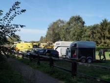 Zwaargewonde gevonden achter paardentrailer in Loon op Zand