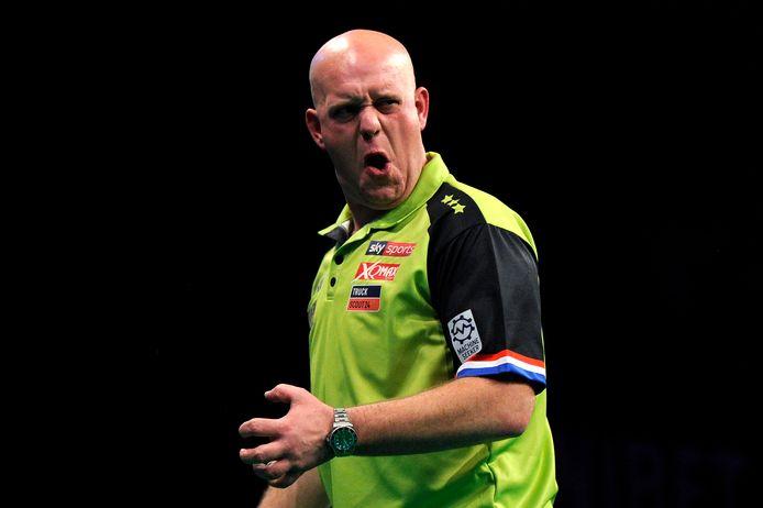 Michael van Gerwen is na zijn zege op Wright zeker van de play-offs.