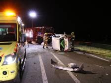 Auto klapt op de zijkant bij eenzijdig ongeval in Voorthuizen
