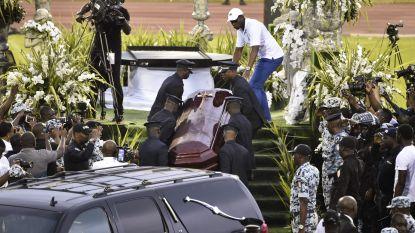 Fans openen doodskist van pas begraven Ivoriaanse zanger (33)