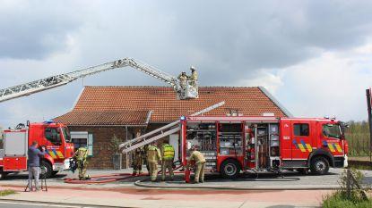 Dak vat vuur tijdens renovatiewerken
