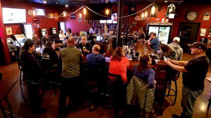 """Trump blij met einde aan lockdown in Wisconsin, waar de cafés weer vollopen: """"De inwoners zullen de prijs moeten betalen"""""""