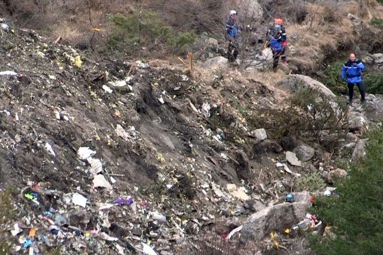 De bergingsoperatie komt inmiddels langzaamaan op gang. Beeld AFP
