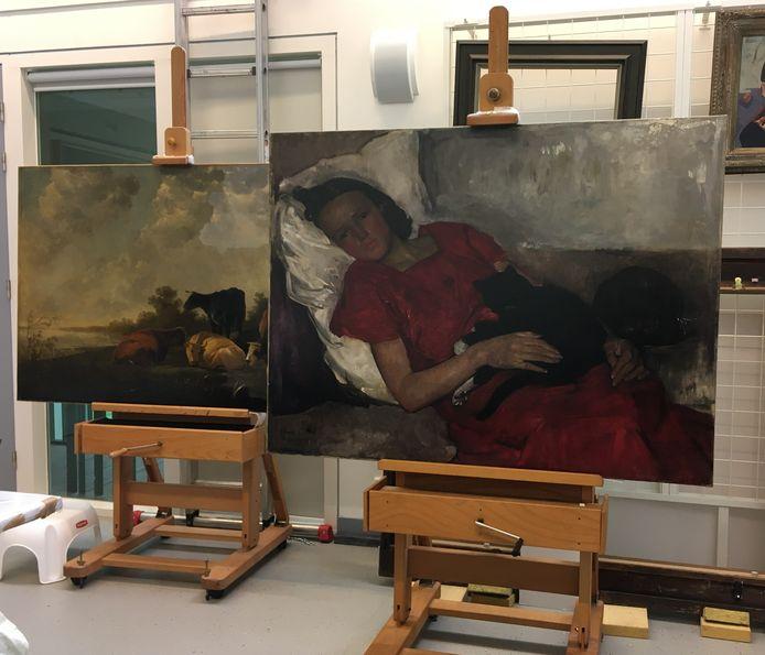 Een restaurator van het Dordrechts Museum ontdekte een dode vlo op dit schilderij.