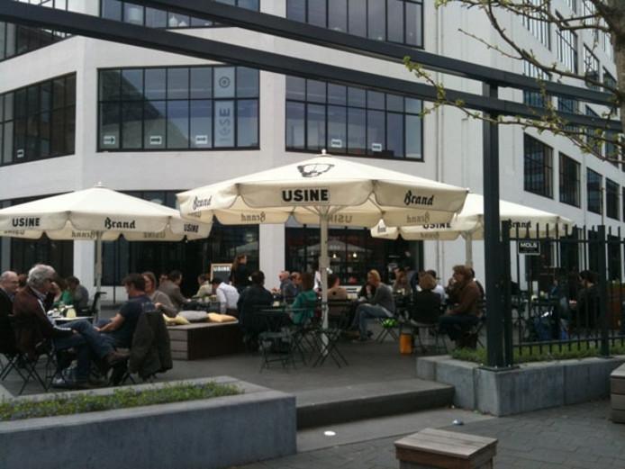 Het terras van grand-café Usine in Eindhoven.