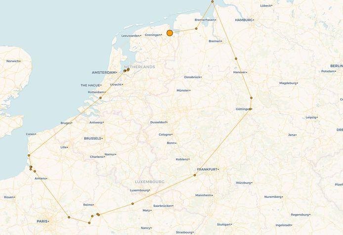 De vlucht van de zeearend in beeld. In een paar dagen tijd vloog ze honderden kilometers vanuit Frankrijk via een omweg naar Nederland.
