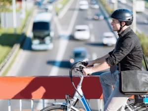 Quelle est la différence entre un vélo électrique et un speed pédélec?