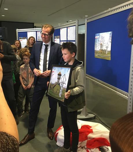 Tjeu (11) ontwerpt een uitkijktoren bij Kasteel Heeswijk: 'Ik heb er een half uur over gedaan'