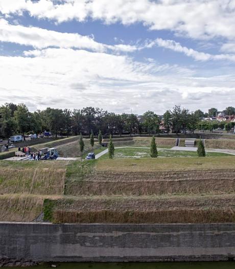 Kanonnen op het Ravelijn in Bergen op Zoom weer 'gevechtsklaar'