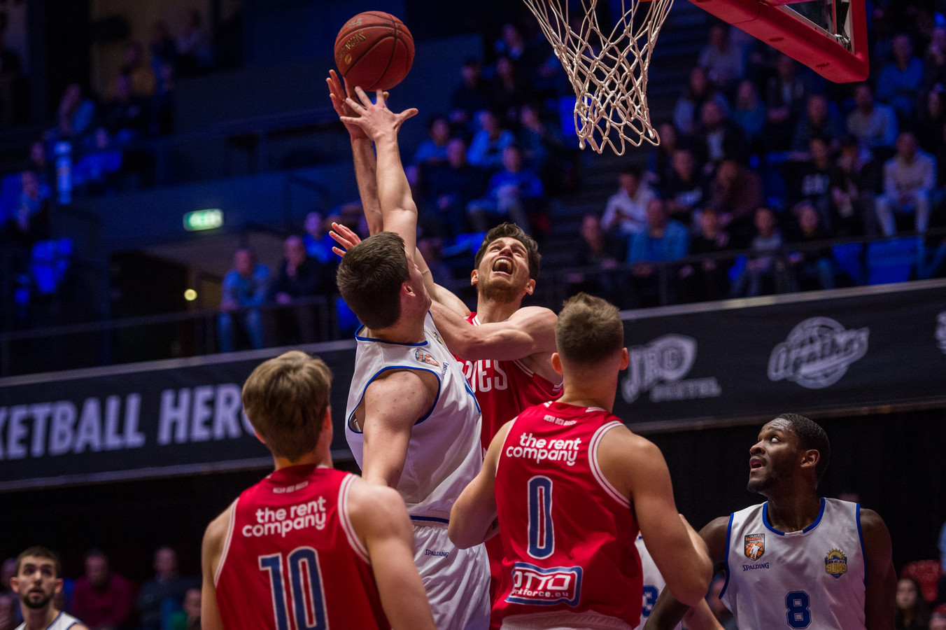 Thomas van der Mars, hier vorig seizoen op weg naar een score tegen de Den Helder Suns, begint op zondag 4 oktober met Heroes Den Bosch aan de nieuwe competitie.