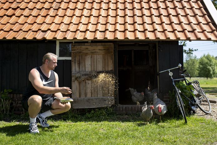 Joey van Ingen, thuis op zijn boerderij in Twente