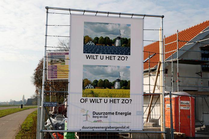 In de polder worden de plannen voor een zonnepark tussen Leuth en Millingen kritisch gevolgd.