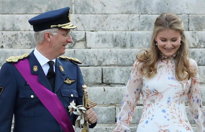 La princesse Elisabeth, avec son père le roi Philippe, le 21 juillet dernier à Bruxelles
