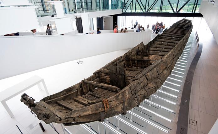 Het Romeinse schip in Castellum Hoge Woerd is één van de tastbare overblijfselen van de Romeinse rijksgrens, de Limes die door Utrecht liep.