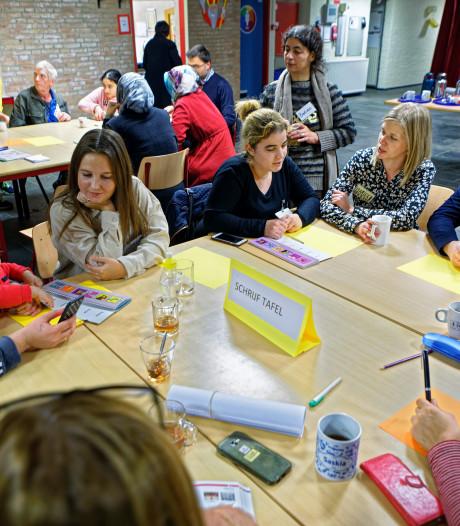 Taalcafé Zundert: veel tongbrekers in het Nederlands